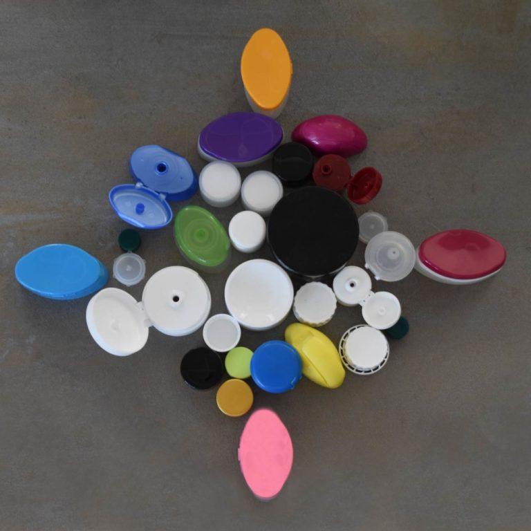 Tappi di diversi colori e dimensioni - BosisioFrancesco